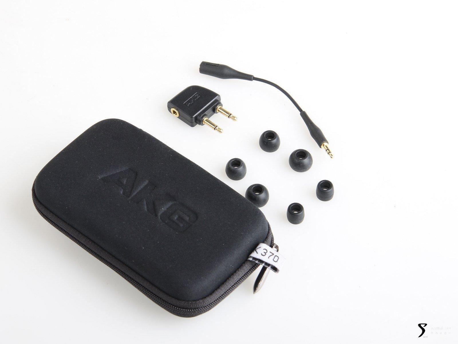 akg k370 入耳式耳机所有附件图片